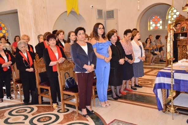 Οι κυρίες Καίτη Παπαθανασίου, Αντιπρόεδρος και Αλεξάνδρα Νησιώτης, ταμίας,  του Συνδέσμου Κατοίκων Συνοικισμού Κωνστατινουπολιτών | Φωτογραφία: Δημοσθένης Τσαβδαρίδης