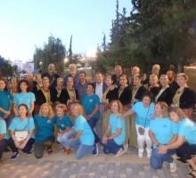 Με το Δήμαρχος Ιγνάτιο Καϊτεζίδη και τα μέλη του Χορευτικού του Συνοικισμού Κωνσταντινουπολιτών και της Καλλιτεχνικής Στέγης Ποντίων.